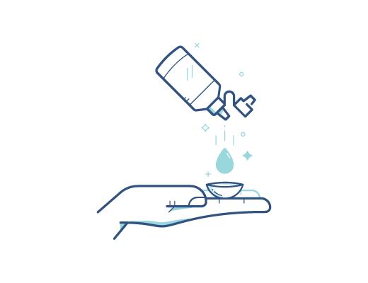 Desinfectando el lente de contacto con solucion